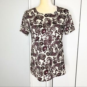 Cabin Creek short sleeve Paisley top Size M